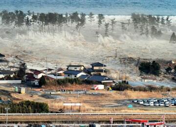 Цунами в Японии в 2011. Фото и видео