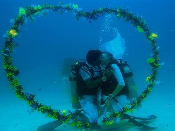 свадьба под водой в Тайланде