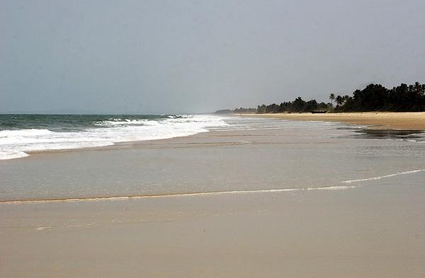 пляж Кавелоссим