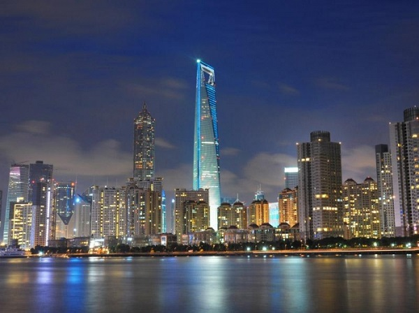 Шанхай—торговый центр