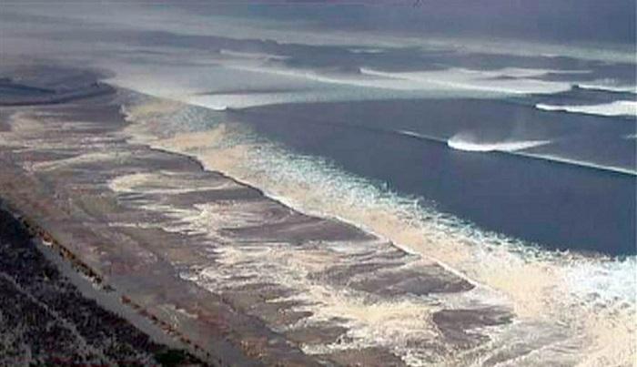 Волны цунами в Японии