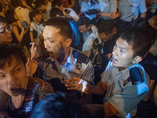 задержания протестующих в Гонконге