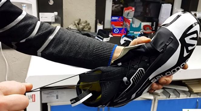 шнуровка лыжных ботинок