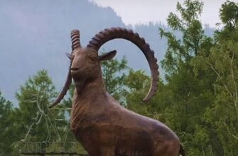 Аршан. Скульптура горного козла